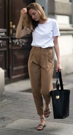 Trendy fashion outfits for work casual cardigans ideas Summer Outfits For Teen Girls Hipster, Korean Summer Outfits, Preppy Summer Outfits, Summer Outfits Women Over 40, Summer Fashion Outfits, Curvy Outfits, Mode Outfits, Fashion Spring, Fall Outfits