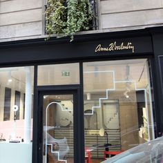 ANNE & VALENTIN 59 TER RUE BONAPARTE 75006 PARIS, FRANCE