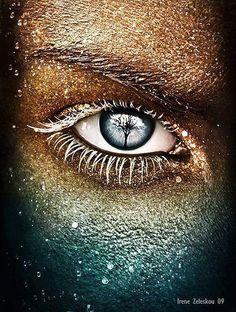 """Eye of the Fallen"" - eyes-glam photo by ftourini on deviantART Gif Kunst, Look Into My Eyes, Eye Art, Cool Eyes, Beautiful Eyes, Beautiful People, Beautiful Women, Belle Photo, Amazing Art"
