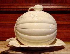 A Fine English Leeds Pottery Creamware Melon Tureen and Cover, Circa 1790.
