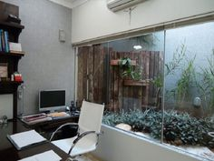 Awesome Sala Pequena Decorada Com Jardim De Inverno that you must know, You're in good company if you're looking for Sala Pequena Decorada Com Jardim De Inverno Indoor Plants, Home Office, Small Spaces, My House, New Homes, Sweet Home, House Design, Outdoor Decor, Home Decor