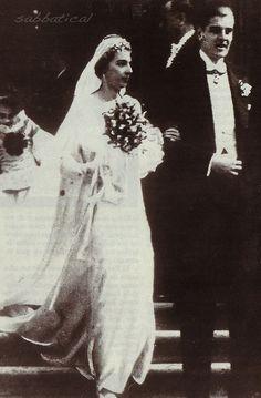 Beatriz de Borbón y Battenberg contrajo matrimonio en 14 de enero de 1935 con Alexandro Torlonia (1911-1986), príncipe de Civitella Cesi, hijo del príncipe Don Marino Torlonia y de la norteamericana Mary Elsie Moore.   La infanta Beatriz y Alexandro Torlonia fueron padres de cuatro hijos:   Donna Sandra Torlonia (n. 1936), quien contrajo matrimonio con el Conde Clemente Lequio di Assaba (1925-1971).  Don Marco Torlonia, 6º príncipe de Civitella-Cesi, (n. 1937) contrajo matrimonio con la…