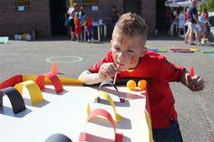 Koning voetbal tijdens schoolfeest van het Opwermerke Abc Preschool, Going For Gold, Spanish Activities, Camping Games, Diy And Crafts, Have Fun, How To Plan, Birthday, Party