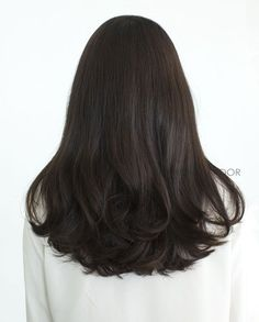 87 unique ombre hair color ideas to rock in 2018 - Hairstyles Trends Medium Hair Cuts, Short Hair Cuts, Medium Hair Styles, Curly Hair Styles, Haircut Medium, Haircut Short, Medium Black Hair, Short Pixie, Pixie Haircut