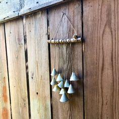 Blij om dit item uit mijn #etsy shop te delen: Artisan ceramic wall hanging - Handmade green porcelain bells - Garden decoration - Indoor decor - Outdoor decor - Mobile - Wind Chimes, Ornament, Ceramics, Outdoor Decor, Etsy, Jewelry, Home Decor, Ceramica, Decoration
