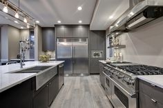 Top end kitchen in the Chateau showhome built by Avalon Master Builder.
