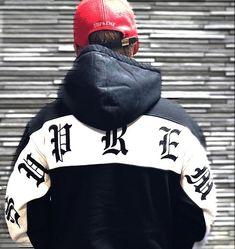 Supreme(シュプリーム) Old English stripe zip hoodie Old English, Zip Hoodie, Hoodies, Supreme, Iphone, Fashion, Hooded Sweater, Moda, Sweatshirts