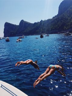 Dive into Yacht Charter Italy - Luxury Yacht Charter - Top 550 Yacht Charter Bases Beach Aesthetic, Summer Aesthetic, Travel Aesthetic, Summer Feeling, Summer Vibes, Summer Dream, Summer Fun, Summer Goals, Summer Pictures