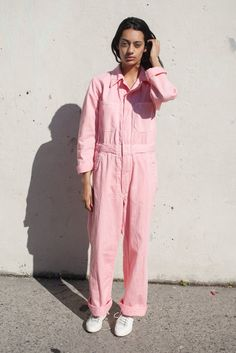 Zip Jumpsuit in Pink Overalls Fashion, Overalls Outfit, Jumpsuit Outfit, Denim Outfit, Overalls Style, Pink Jumpsuit, Boiler Suit, Retro Fashion, Nice Dresses