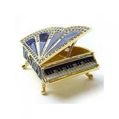 Piano hinged box