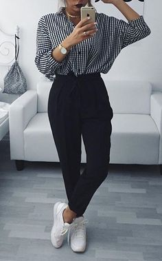 if you a big fun of comfy style this outfit would be helpful for you