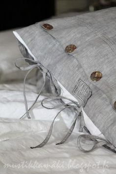 Linen Cushions: Beautiful grey pillow case from Arte. Grey Pillow Cases, Grey Pillows, Linen Pillows, Linen Fabric, Linen Bedding, Pillow Covers, Cushions, Bolster Pillow, Cushion Pillow