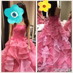 #ドレスレポ   これも#アンテプリマ の新作だそうです 何気なく来たらかなりかわいかった 腰についているお花とスカートのいろんな色のピンクのふりふりが好きです ウェディングドレスは大人っぽいのにしたいのでカラードレスは華やかなのがいいなと思ってます() これは専用のネックレスイヤリンググローブ頭に付けてるキラキラしたやつが付いてくるみたいです これにしようかなってくらい好きだったのですが高砂に座ったとき胸元が寂しいかなあと思って考え中です(-) #百花籠 #VIVIANbrides by mr.wedding2016