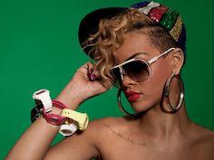 Rihanna Right Shoulder View