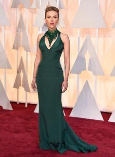 Oscars 2015 Red Carpet Arrivals | Scarlett Johansson