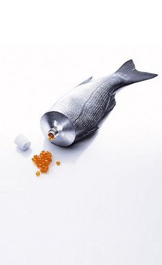 Photo manipulation in this work is really nice: there is no sign of Photoshop and a smooth juxtaposition of the fish and a toothpaste bottle. Web Design, Food Design, Design Art, Graphic Design, Design Concepts, Clever Packaging, Brand Packaging, Packaging Design, Plakat Design