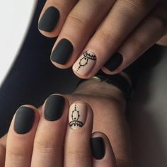 uñas-de-gel-paso-a-paso-color-negro-dibujos-mate Makeup Geek, Short Nails, Hair And Nails, Nail Designs, Make Up, Nail Art, Style Ideas, Pastel, Colors