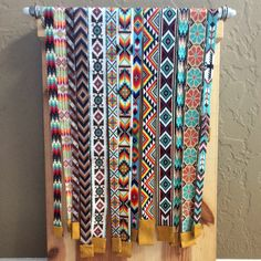 Browse unique items from PuebloAndCo on Etsy, a global marketplace of handmade, vintage and creative goods. Loom Bracelet Patterns, Bead Loom Bracelets, Bead Loom Patterns, Beading Patterns, Beaded Hat Bands, Beaded Belts, Beaded Flowers Patterns, Bead Loom Designs, Native American Beadwork