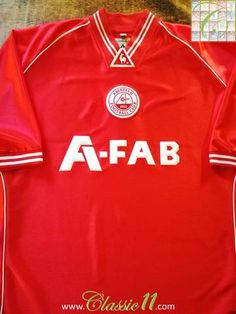 Official Le Coq Sportif Aberdeen home football shirt from the 2001/2002 season.