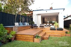 Timber deck Kingsford House - The Design Hunter Outdoor Areas, Outdoor Rooms, Outdoor Living, Outdoor Furniture Sets, Outdoor Decking, Decking Ideas, Backyard Patio, Backyard Landscaping, Patio Deck Designs