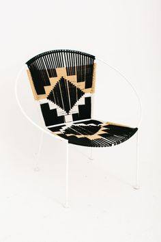 northmagneticpole: Hoop Chair in Black-YEAH! (via totem-totem) Diy Furniture, Furniture Design, Macrame Chairs, Acapulco Chair, Design3000, Woven Chair, Chaise Vintage, Take A Seat, Chair Design
