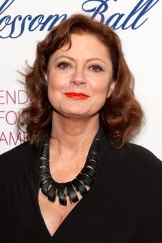 ‪#‎BlogPost‬ STYLISH & AMAZING AFTER 50 Take a look at fabulous women over fifty like Susan Sarandon, Diane Sawyer, Barbara Walters, and you will notice that they keep the patterns to a minimum, tending to focus more on wearing solid colors. If you do decide to wear a pattern, keep it simple and consistent.
