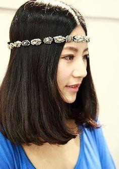 <3Holiday Party Dressing Idea: Rhinestone Hair Band