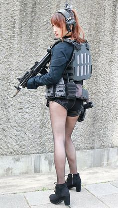 Guns are awesome, girls are awesome, and the two combined together nearly defies the laws of all things awesome. S Girls, Cute Girls, Army Girls, Armas Ninja, Girls Are Awesome, Female Soldier, Army Soldier, Military Girl, Warrior Girl