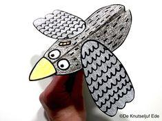 Knutseltip prentenboek Coco kan het! (Loes... | boekknutsel | knutselen | creatief | knutseltip | voorlezen | De Knutseljuf Ede Birds, Crafts, Crowns, Manualidades, Bird, Handmade Crafts, Craft, Arts And Crafts, Artesanato