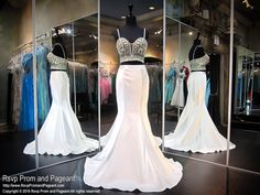 Shop the latest prom and pageant dresses. We have everything from long prom and pageant dresses, to sexy dresses, short dresses and cocktail dresses. White Homecoming Dresses, Prom Dresses 2017, Pageant Dresses, Quinceanera Dresses, Evening Dresses, Stunning Dresses, Beautiful Gowns, Cheap Dresses, Sexy Dresses