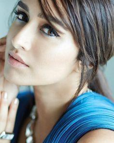Shraddha Kapoor looking stunning for her latest shoot. Shraddha Kapoor, Ranbir Kapoor, Priyanka Chopra, Deepika Padukone, Beautiful Indian Actress, Beautiful Actresses, Bollywood Celebrities, Bollywood Actress, India Beauty
