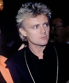 roger taylor Killer Queen allhailthedeakydo: Roger looking hot again Kill La Kill, Brian May, John Deacon, Metallica, Roger Taylor Queen, Queen Meme, Queen Aesthetic, Celebrities Before And After, Queen Pictures