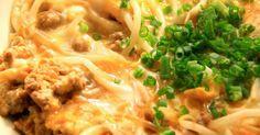 「もやし」が主役の一品料理に!温かいご飯にかけて丼物にしてもグ~♪もやしと豚ひき肉の卵とじ!低コストでグ~^^*