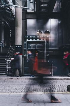 Beginner Photography: How to Take Pictures Like a Pro - example image of motion blur for learning beginner photography - Street Photography People, London Street Photography, Urban Photography, Abstract Photography, Light Photography, Night Street Photography, Photography Ideas, Fashion Photography, Grunge Photography