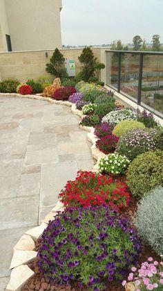 Gorgeous DIY Garden Landscaping Ideas You Small Backyard Landscaping, Landscaping With Rocks, Backyard Ideas, Garden Ideas, Walkway Ideas, Pool Backyard, Tropical Landscaping, Garden Path, Flower Landscape