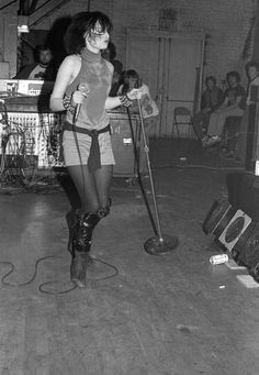 Siouxsie Sioux, Siouxsie & The Banshees, Cure, Women In Music, The New Wave, Heavy Metal Bands, Alternative Music, Music Icon, Post Punk