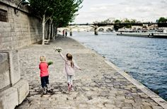 Paris is the city of love, even for children! Find out more on our blog: http://www.ile-saint-louis.com/