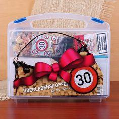 Überlebenskoffer für Frauen zum 30. Geburtstag
