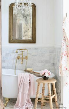 3 ways to add French Cottage charm to your bathroom in 5 minutes - FRENCH COUNTRY COTTAGE romantichomes frenchcountrycottages frenchvintage frenchcountrycottage 95208979607484280 Shabby Chic Pink, Shabby Vintage, Shabby Chic Homes, Shabby Chic Decor, Rustic Decor, French Country Bedrooms, French Country Cottage, Country Farmhouse Decor, French Country Style