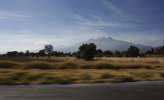ED CEJA- La tome sobre la carretera México-Puebla, me encanta el efecto de barrido del camino y el imponente volcan Iztaccihuatl.