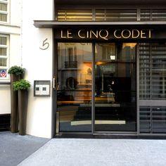 { Paris et moi わたしとパリ } パリに行ったら したいこと⑨ 悶絶するくらい素敵なモダンアートホテル LE CINQ CODET にステイする Portal, Paris