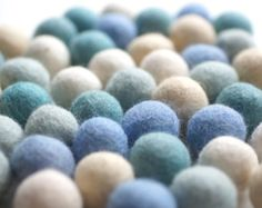 Items similar to 100% Wool Felt Balls, 1 inch (25mm), Multicolor, pure wool, Mix Wunder on Etsy