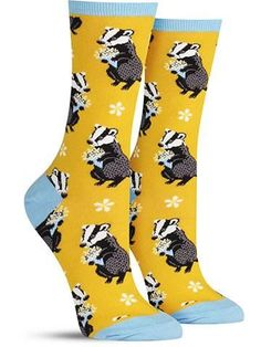 The adorable badger on these fun animal socks has emerged from its hiding spot to give you a bouquet of flowers! Cute Socks, Silly Socks, Awesome Socks, Sock Animals, Crazy Socks, Formal Shoes, Me Too Shoes, Fit Women, Cool Outfits