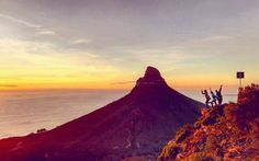 Everyone knows you can't visit Cape Town without taking a stab at the mighty mountain, one of the 7 Natural Wonders of the World. If you're new to Cape 7 Natural Wonders, Rooftop Bar, Cape Town, Mount Rainier, Wonders Of The World, Monument Valley, Shots, Hiking, Corner