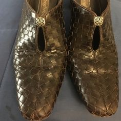 Brighton brown woven leather mules Great mules with lots of life left! (My ankles simply won't let me wear heeled mules anymore.) These look great with dark jeans and black or white pants.  Thanks! Brighton Shoes Mules & Clogs