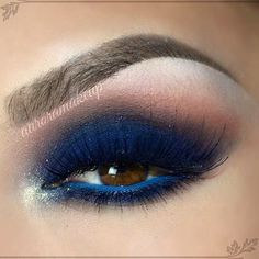 Sultry navy look smokey eye