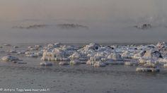Sea is freezing by Antero Topp