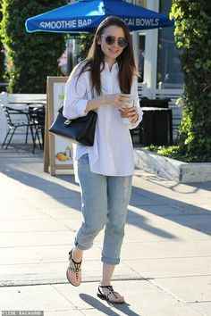 Lily Collins kept it casual for an afternoon outing, wearing a pair of slim boyfriend jeans rolled up at the ankles and a white oversized button-down shirt.Lily's jeans are a pair of light blue selvedge jeans White Shirt Outfits, Casual Work Outfits, Simple Outfits, Light Blue Jeans Outfit, Denim Outfit, Western Outfits, Western Wear, Camisa Oversized, Casual Indian Fashion