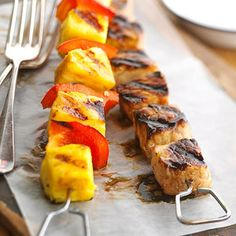 A Week of Delicious Pregnancy Meals and Snacks - Pork and Pineapple Kebobs - Throw some of these kebobs on the grill for a healthier alternative to standard BBQ fare. Grilling Recipes, Snack Recipes, Healthy Recipes, Dinner Recipes, Grilling Ideas, Healthy Foods, Yummy Recipes, Dinner Ideas, Healthy Pregnancy Food
