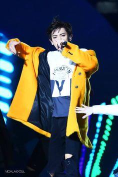 #CHANYEOL #EXO   EXO DROP THAT!